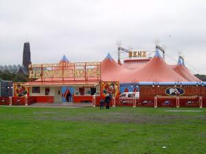 800px-circus_herman_renz_2004.jpg